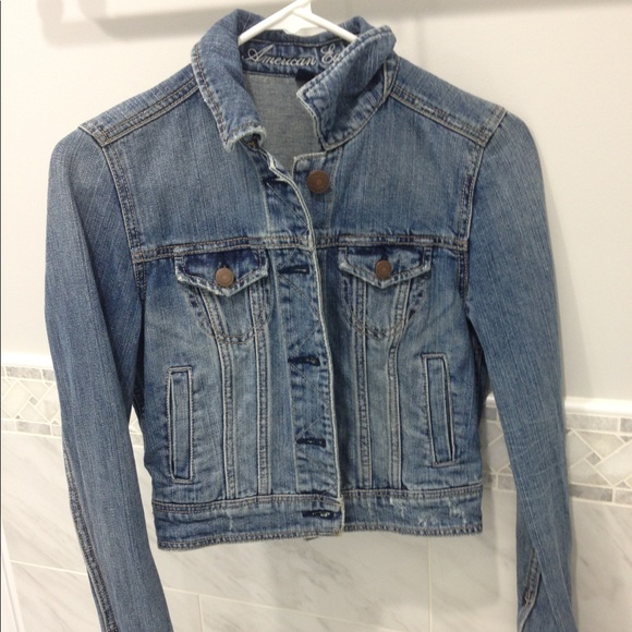 American Eagle Outfitters Jackets & Blazers - aeo medium wash cropped jean jacket